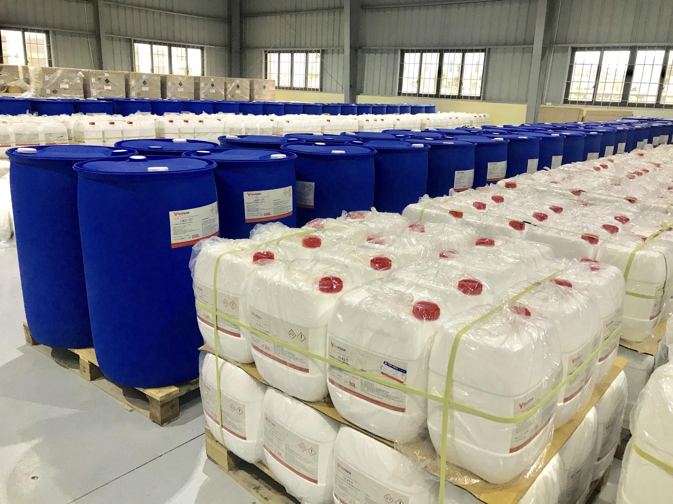 Cận cảnh kho chứa thành phẩm của Công ty TNHH Vina Foam Việt Nam